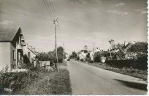Chalmoux. Entrée du bourg, côté Ouest.